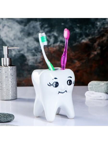 Держатель зубных щеток Зуб